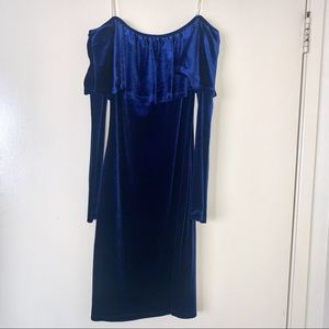 Dresses & Skirts - Beautiful blue velvet dress
